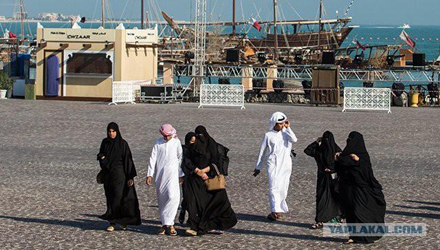 Жители Катара скупают продукты питания и воду в ожидании дефицита
