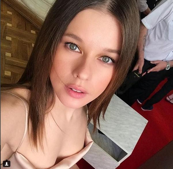 Актриса Катерина Шпица поделилась полуобнажёнными фото с «Кинотавра» - 2018