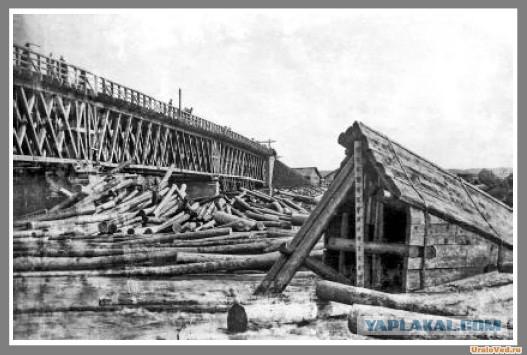 Как упал деревянный мост в Тюмени