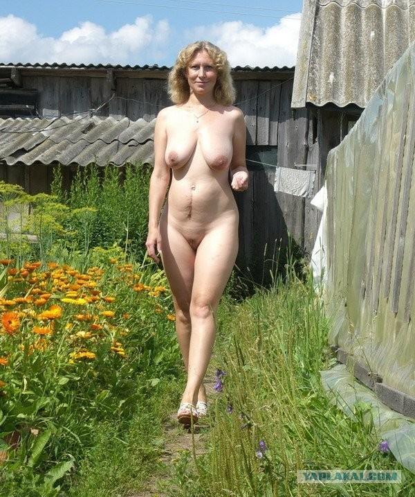 biatlonistki-znamenitie-golie