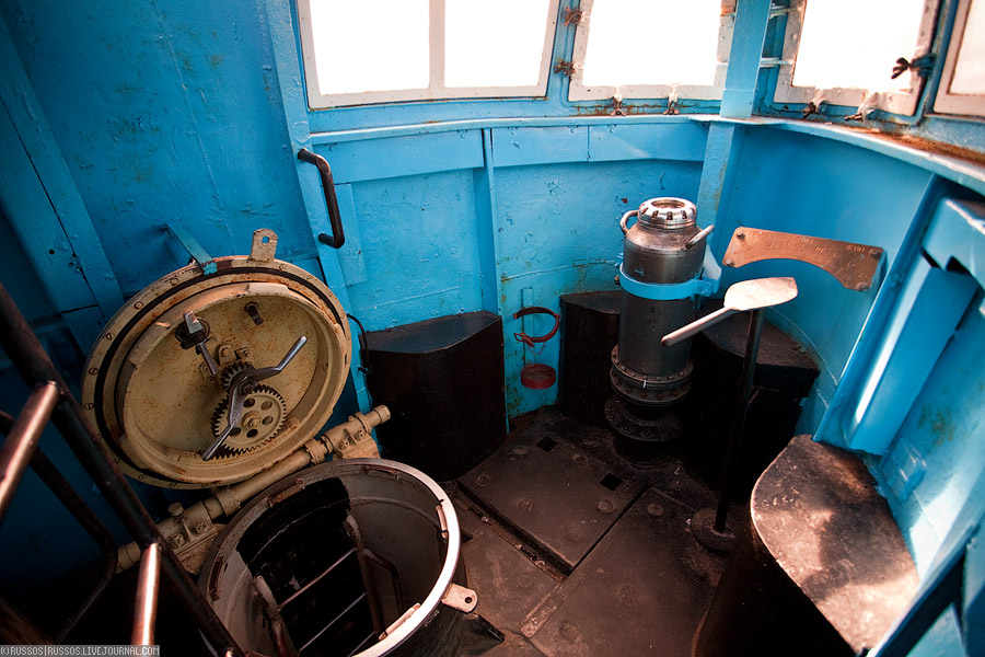 рубка подводной лодки внутри фото