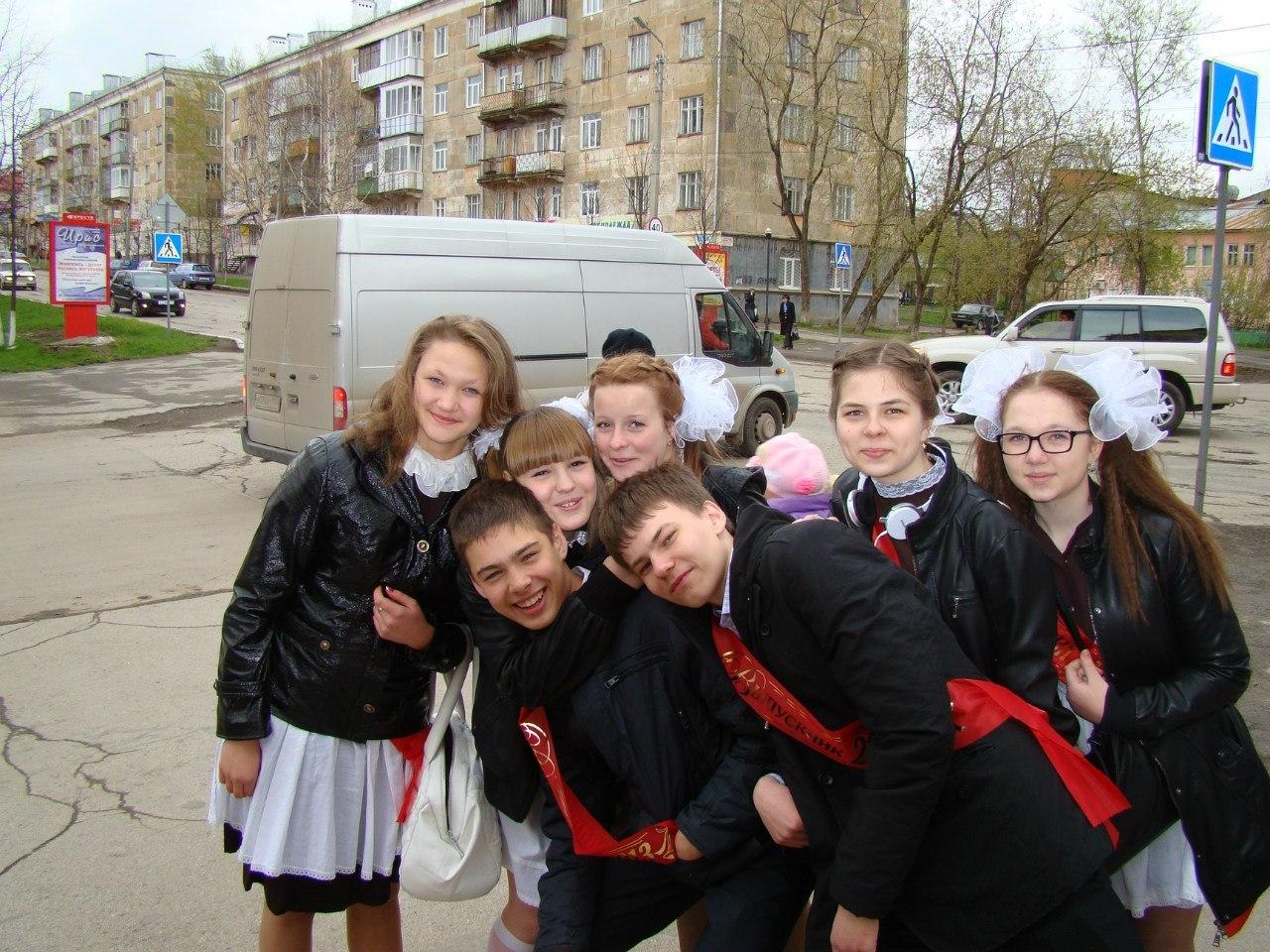 Школьницы одетые раздетые онлайн в хорошем hd 1080 качестве фотоография