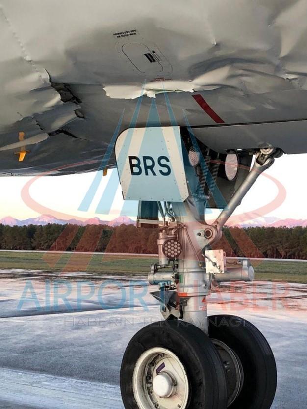 Российский пассажирский самолет совершил жесткую посадку в Турции