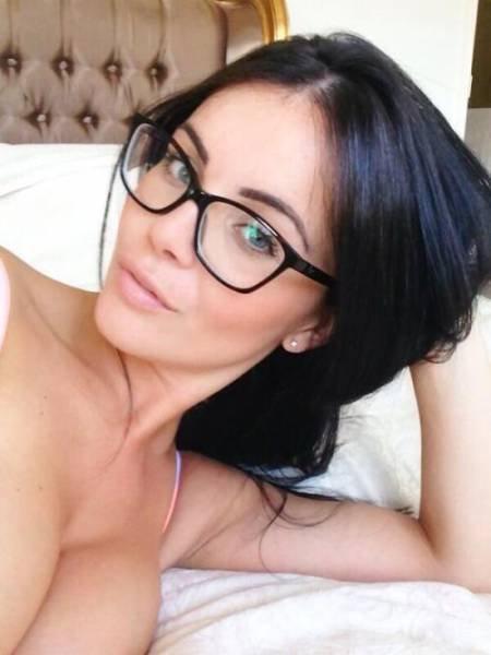 Девчули в очках