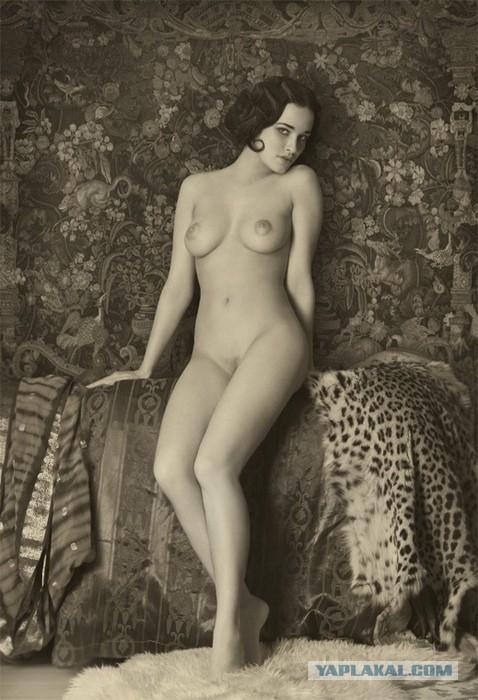 Фото девушки голые ретро
