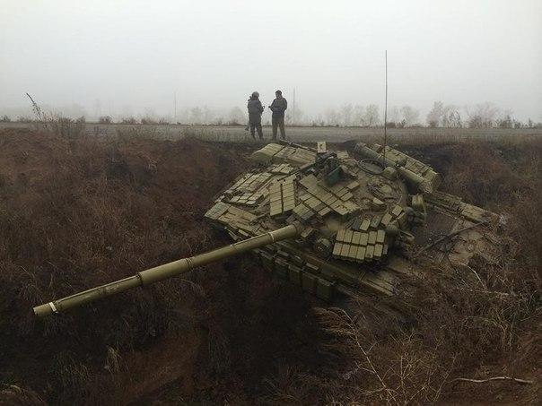 Россия продолжает поставлять военную технику боевикам. Наибольшая активность зафиксирована на ростовско-донецком направлении, - СНБО - Цензор.НЕТ 3175