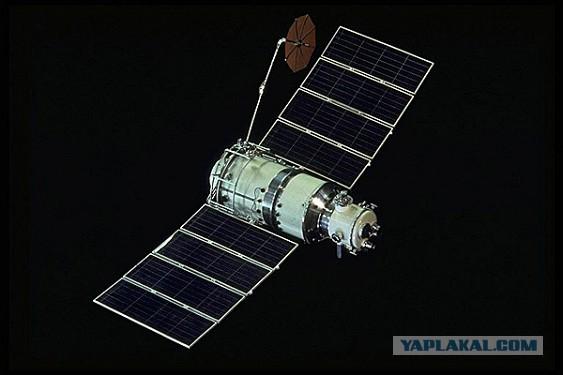 Порошенко предложили взимать плату за пролет над Украиной российских спутников
