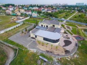 Имение главного федерального инспектора по Саратовской области: впечатляет!