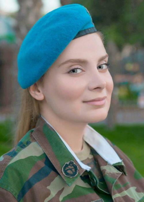 Военнослужащая спецназа Азербайджана Теграна Бахрузи снялась в откровенной фотосессии