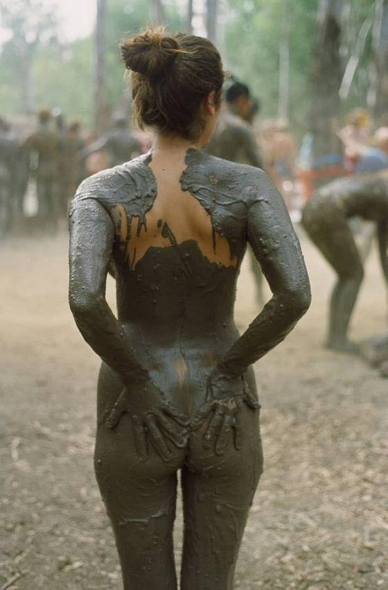 Поваляемся в грязи?