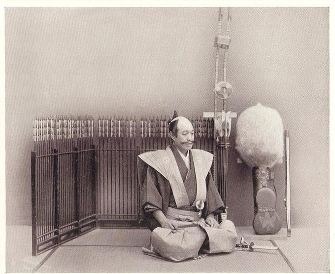 the relation between seppuku and patriotism within the japanese society