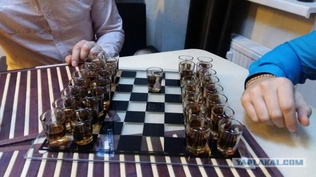 В Москве погиб 20-летний гроссмейстер Юрий Елисеев, сорвавшись с 12го этажа, перелезая из окна на балкон