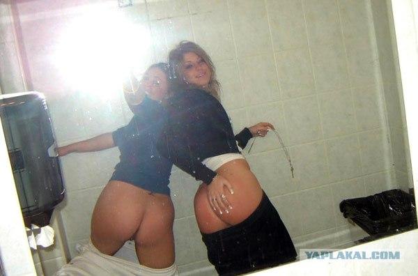 zrelie-dami-hodyat-v-tualet