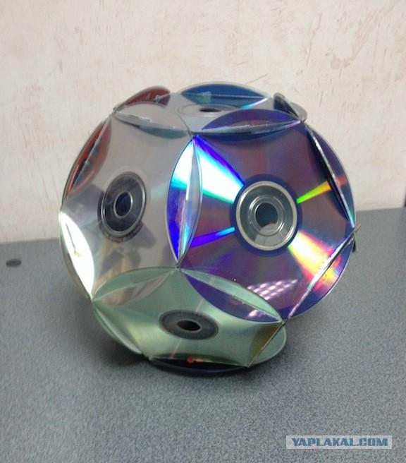 Елочная игрушка из дисков