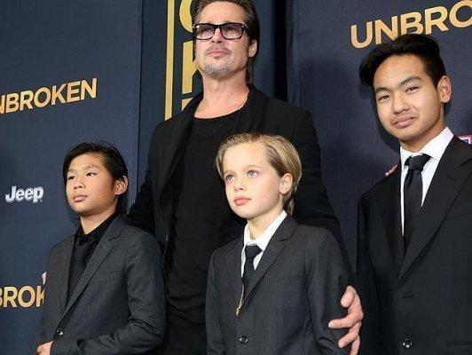 Питт и Джоли сделают из дочери сына