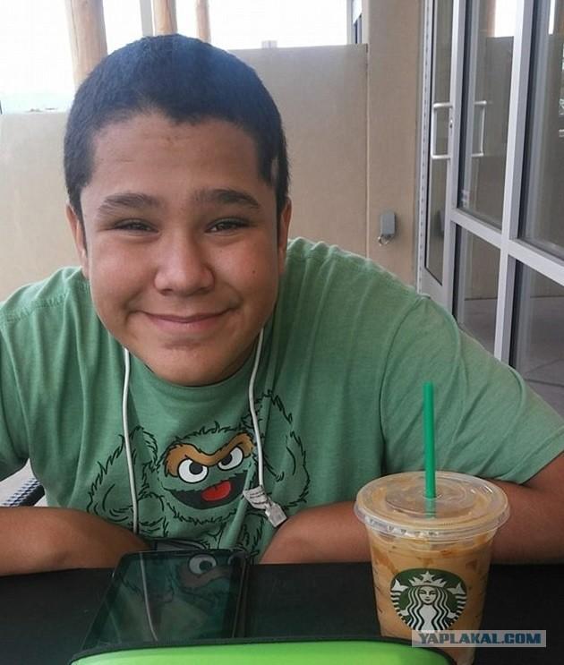 В США школьник втайне от всех кормил нищего друга своими обедами