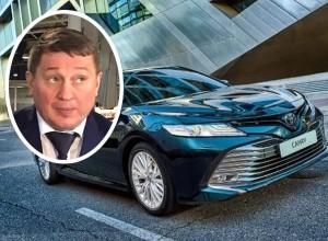 Волгоградцы требуют от ЕдРоса вернуть 22 млн в бюджет потраченные на покупку 12 авто класса «люкс»