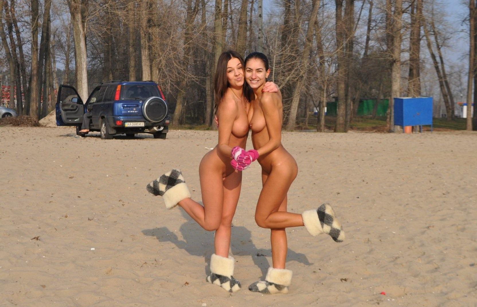Фото голой нудистки украинки 12 фотография