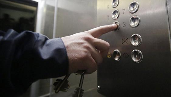 Латвийский депутат отказался ездить на лифте назло России