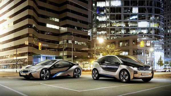 Компания BMW представила сразу два новых концепт-кара - BMW i8 Concept и BMW i3 Concept.