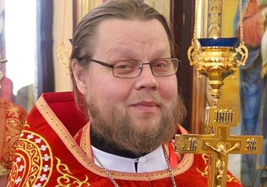 Российский священник сел на 5 лет за педофилию. До этого он был наркоманом, отжимал квартиры и разводил на деньги...Бог простит?