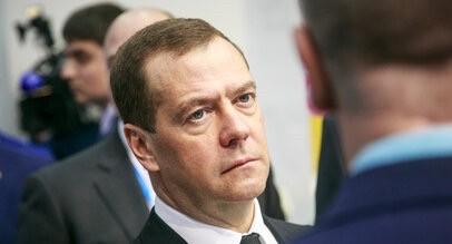 Медведев: Если Роспотребнадзор не справится — я решу его судьбу