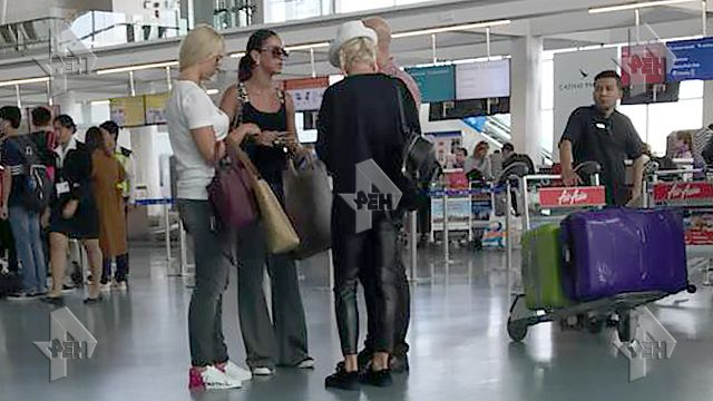 Авиапассажир бизнес-класса отказался уступить место Ольге Бузовой, потому что понятия не имел, кто это...