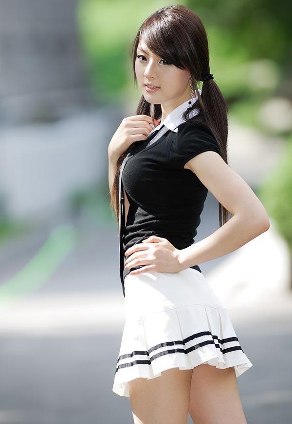 Азиатки в мини, возраст которых не определить по фотографиям