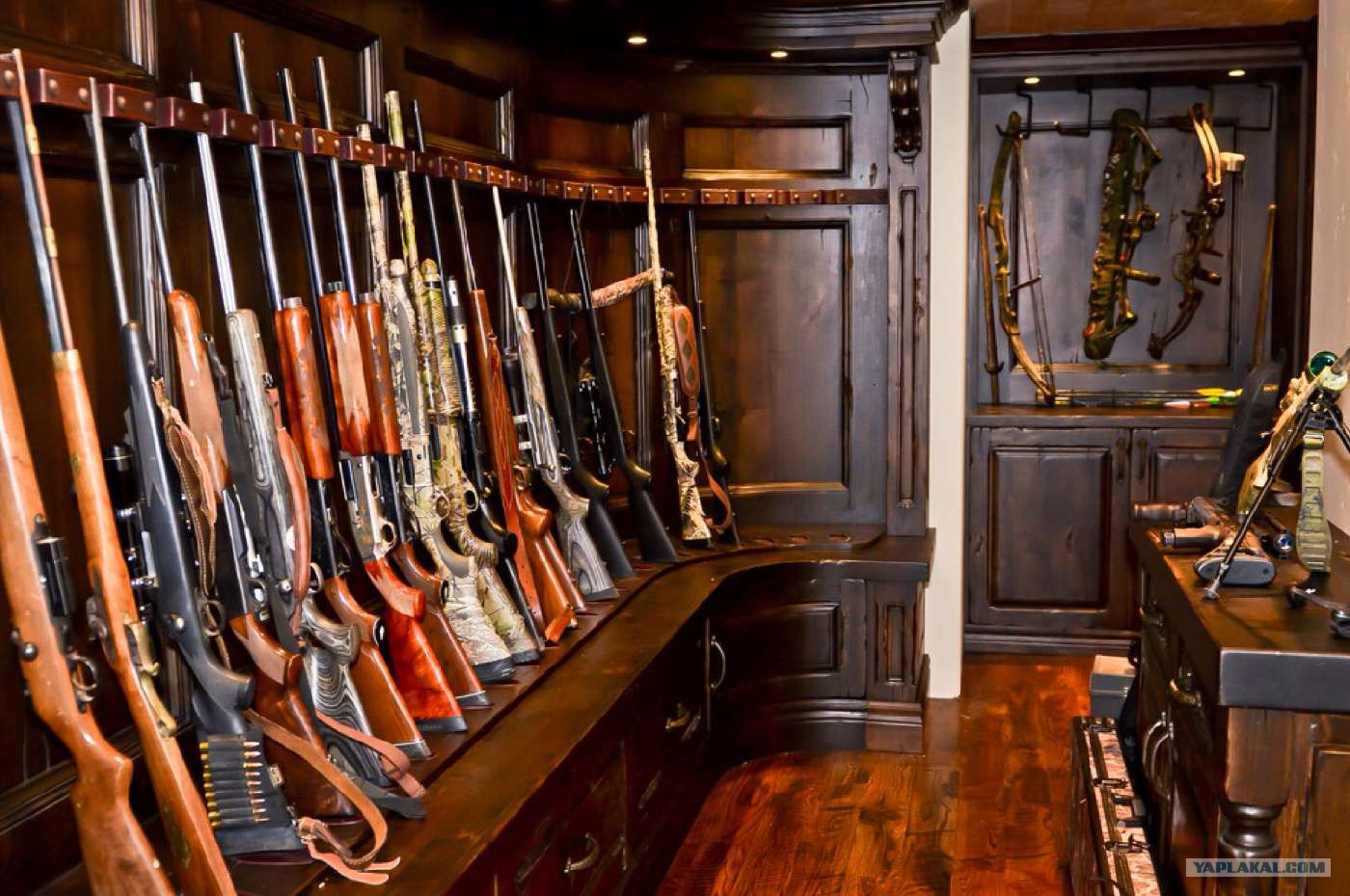 Как сделать оружейную комнату