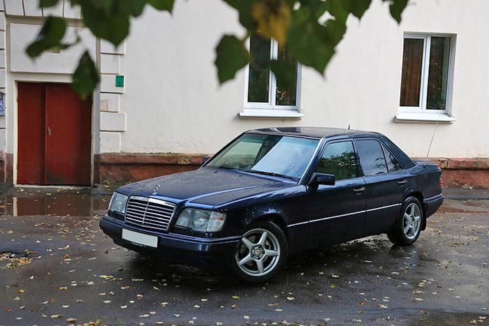 Mercedes benz w124 7000 for Mercedes benz 7000