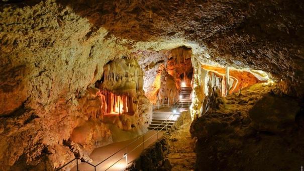 Рейдерский захват пещеры Мраморная в Крыму