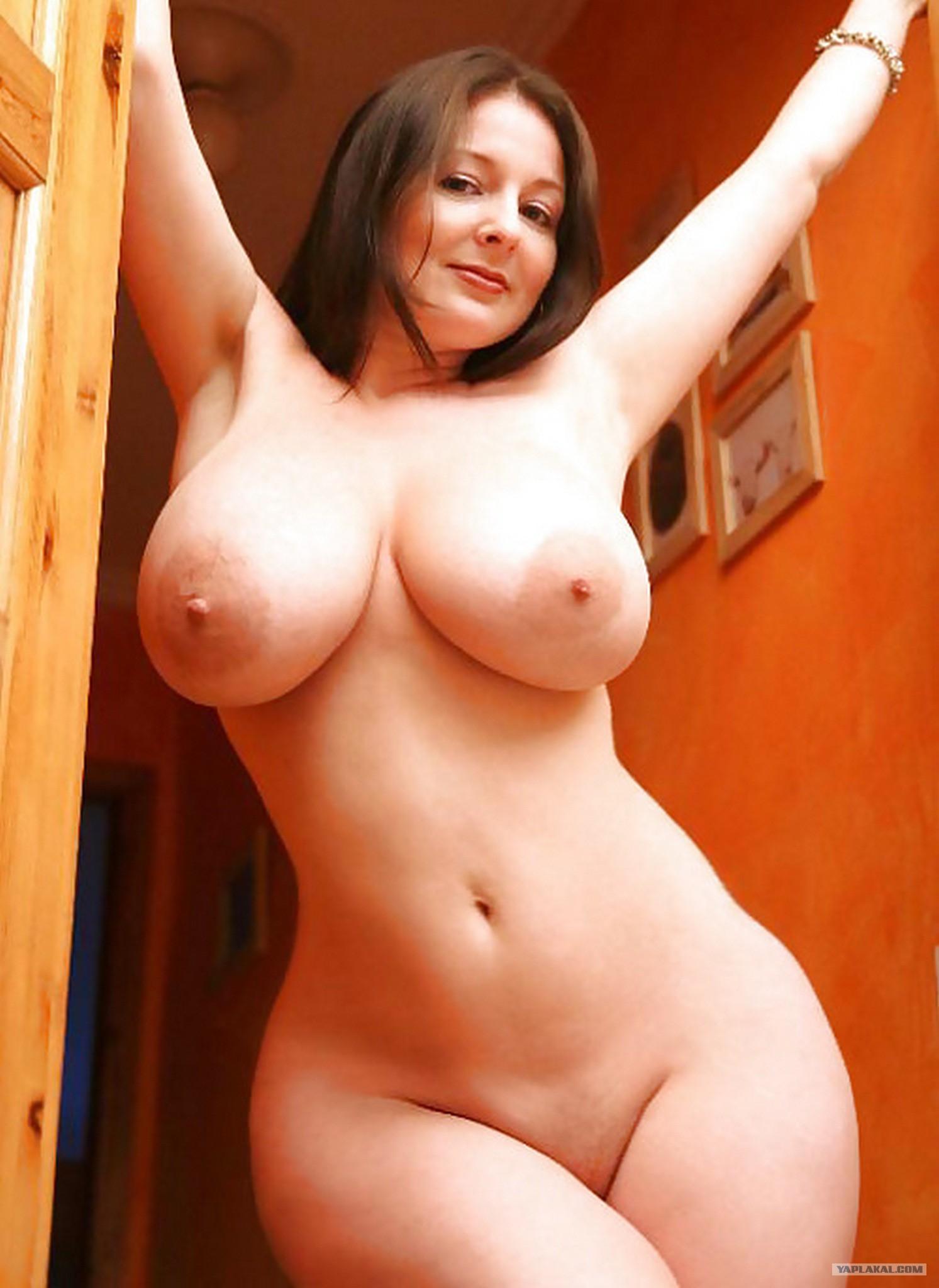 Маленькая грудь но толстые ляжки