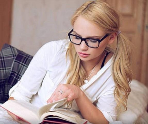 В Омске 14-летняя школьница, которую бросил бойфренд, написала заявление об изнасиловании