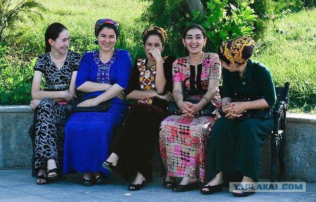 Туркменские власти запретили женщинам водить автомобили