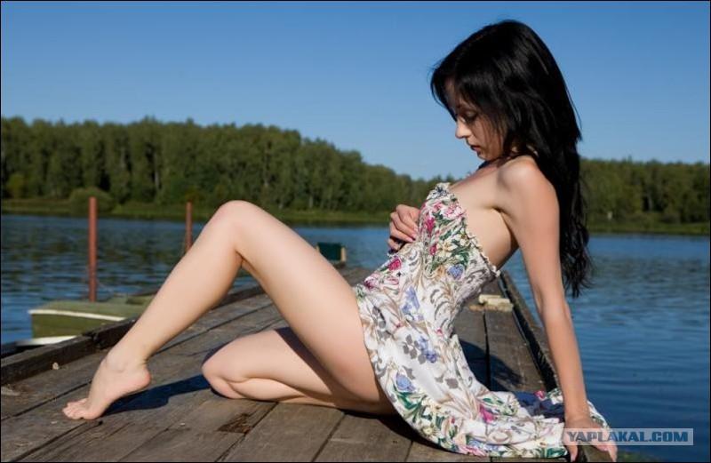 18 летние девушки в платьях фото