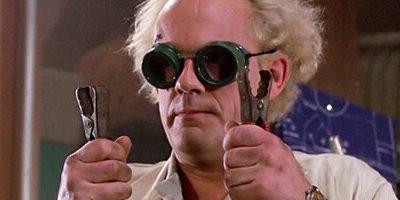 """Озабоченный Марти и другие жутковатые детали в """"Назад в будущее"""", которые мы могли не заметить"""