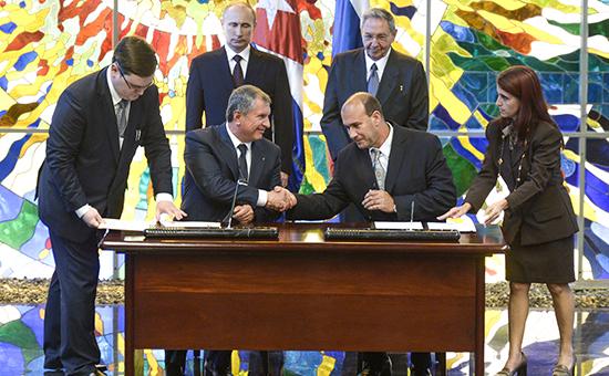 «Роснефть» отправит 1800 сотрудников на Кубу