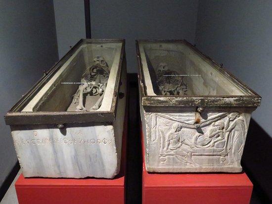 Невеста из Рима. Мумии и скелеты. 35