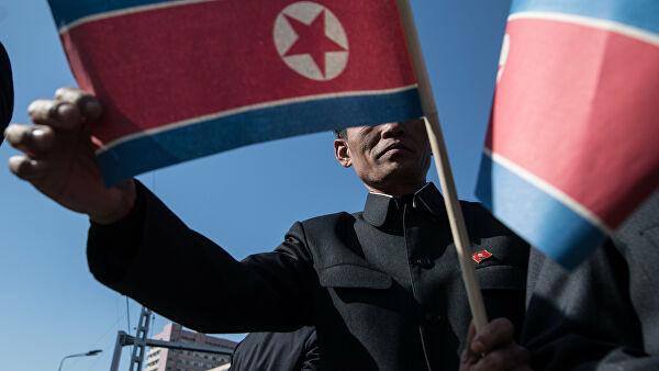 Появились сообщения о летающих низко над Пхеньяном вертолетах и панике в КНДР