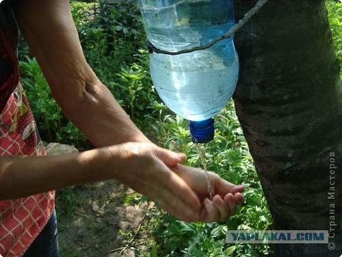 Как сделать умывальник на даче из пластиковых бутылок