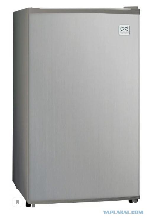 Москва.  Холодильник Daewoo Electronics FR-082AIXR (2017)