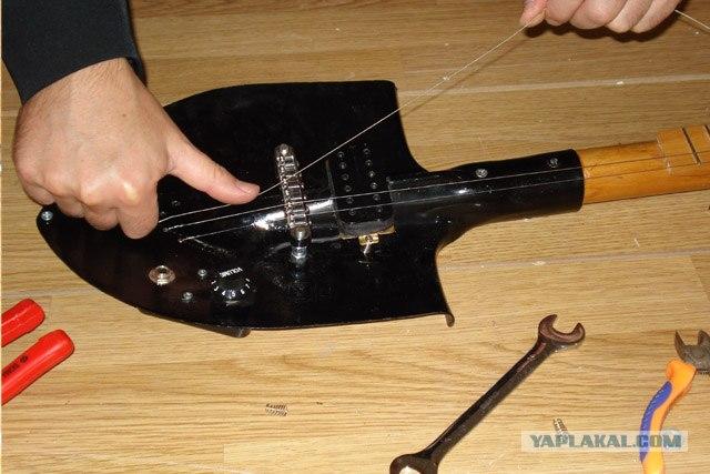 Как сделать гитару с подручными материалами