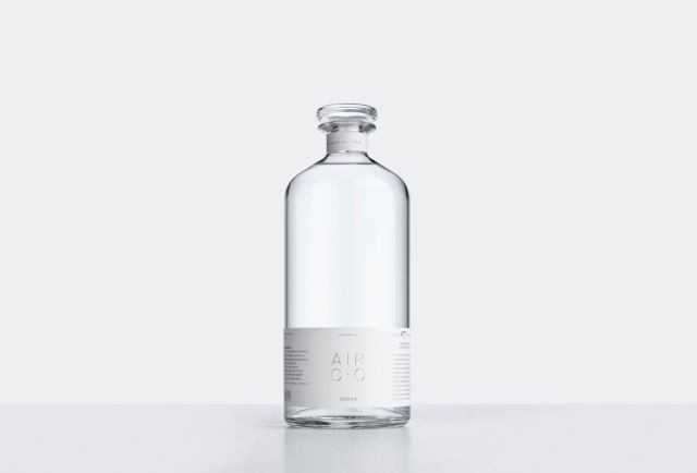 Американские учёные научились делать водку из воды, воздуха и электричества