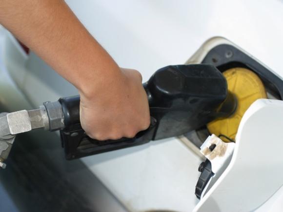 ФСБ задержала менеджеров «Роснефти» и «Лукойла» по делу о масштабном недоливе бензина