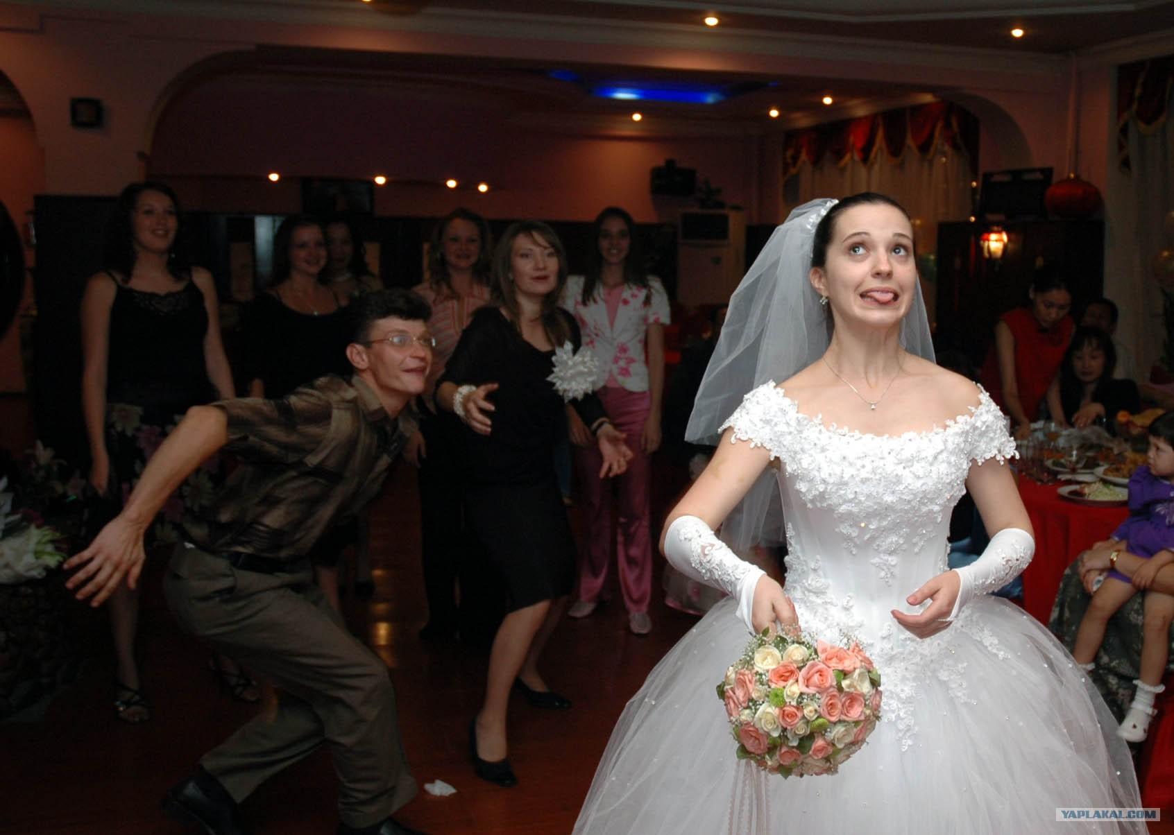 Курьезы фото на свадьбах