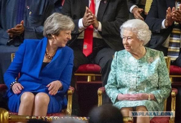Британию лихорадит после публикации о взятке для Мэй по делу Скрипаля