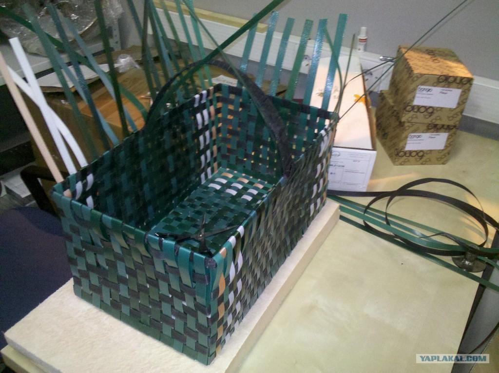 Плетение из упаковочных лент своими руками