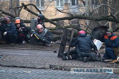 Глава МВД Украины разрешил применять боевое оружие