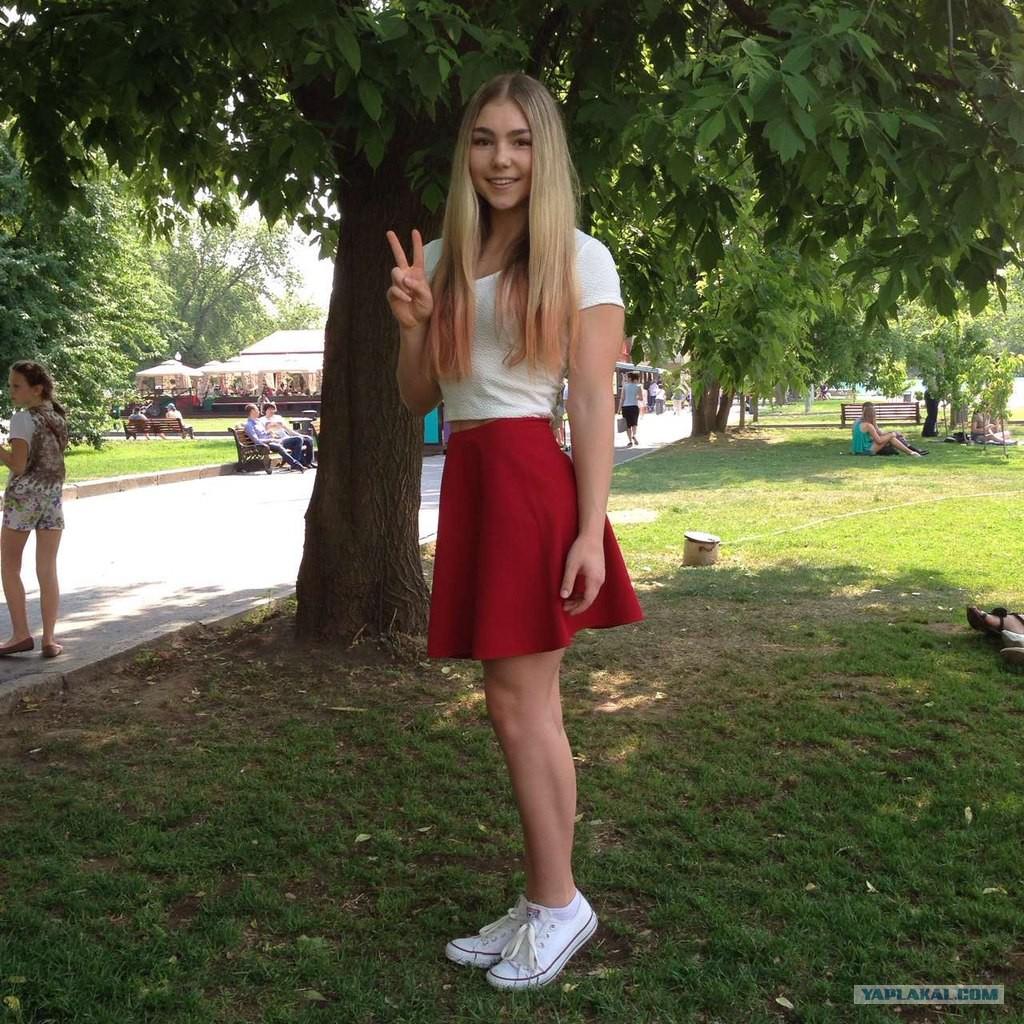 Русские девочки доминируют над парнем 8 фотография