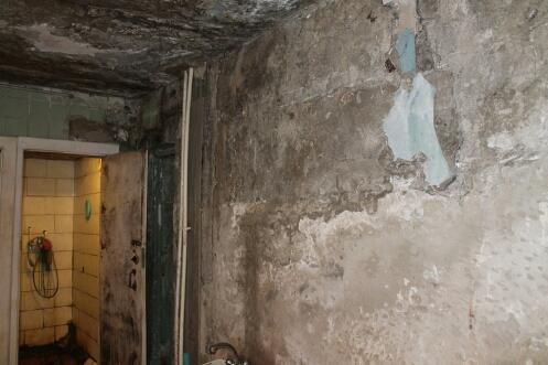 Жители гниющей многоэтажки в Тюмени: «Вся страна переживает за АН-148, но, если рухнет наш дом, будет 300 жертв»